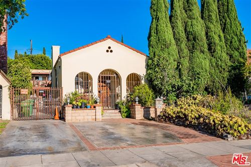 Photo of 836 S Muirfield Road, Los Angeles, CA 90005 (MLS # 21765756)