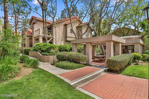 Photo of 2384 Archwood Lane #13, Simi Valley, CA 93063 (MLS # 221002757)