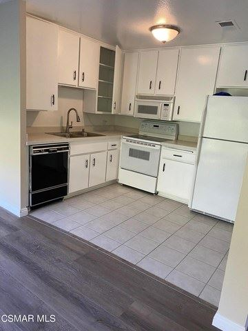 Photo of 286 Oakleaf Drive #23, Thousand Oaks, CA 91360 (MLS # 221000757)