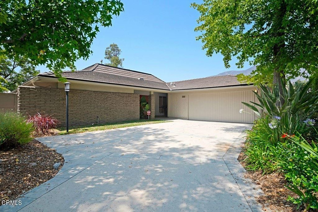 Photo of 158 Starlight Crest Drive, La Canada Flintridge, CA 91011 (MLS # P1-5757)