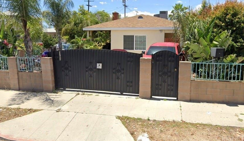 Photo of 5703 Cleon Avenue, North Hollywood, CA 91601 (MLS # SR21226757)