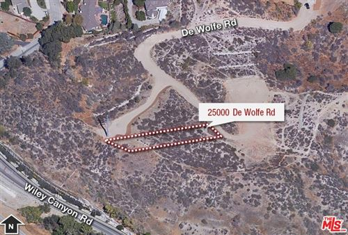 Photo of 25000 DE WOLFE Road, Newhall, CA 91321 (MLS # 19520758)