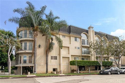 Photo of 12130 Ohio Avenue #102, Los Angeles, CA 90025 (MLS # SR20192759)