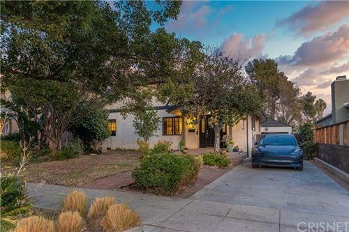Photo of 5110 Greenbush Avenue, Sherman Oaks, CA 91423 (MLS # SR20242759)