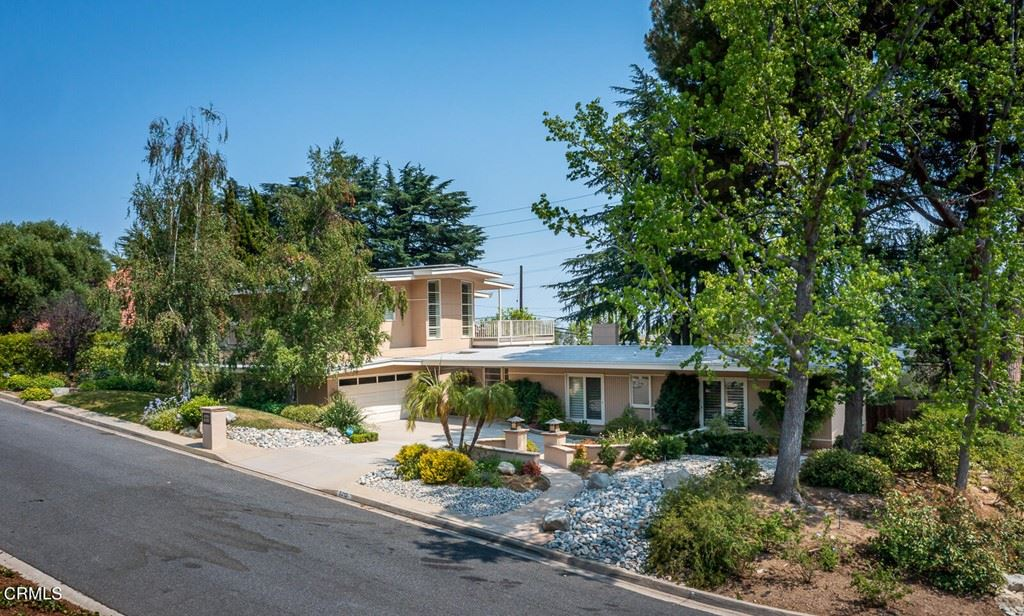Photo of 5212 Pizzo Ranch Road, La Canada Flintridge, CA 91011 (MLS # P1-5759)