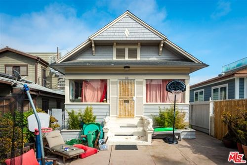 Photo of 52 SUNSET Avenue, Venice, CA 90291 (MLS # 19471760)