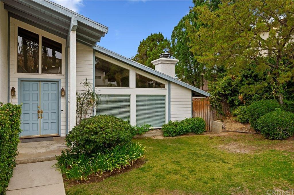 Photo of 17618 Orna Drive, Granada Hills, CA 91344 (MLS # SR21217761)