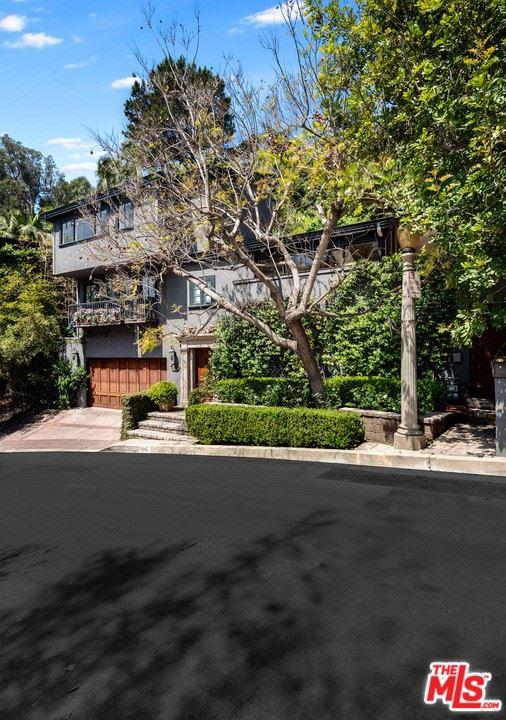 Photo of 1517 Schuyler Road, Beverly Hills, CA 90210 (MLS # 21763762)