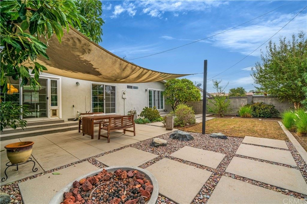 Photo of 986 N Center Street, Orange, CA 92867 (MLS # OC21219762)