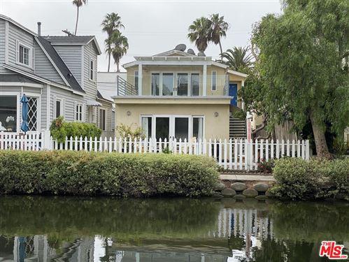 Photo of 422 Carroll Canal, Venice, CA 90291 (MLS # 21747764)