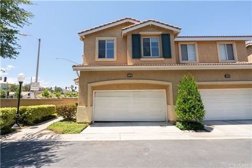 Photo of 25401 Holly Beach Drive, Newhall, CA 91350 (MLS # SR21145764)