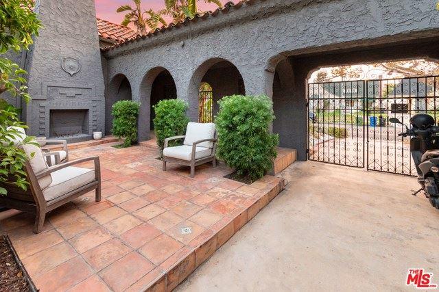Photo of 126 N Martel Avenue, Los Angeles, CA 90036 (MLS # 20651764)