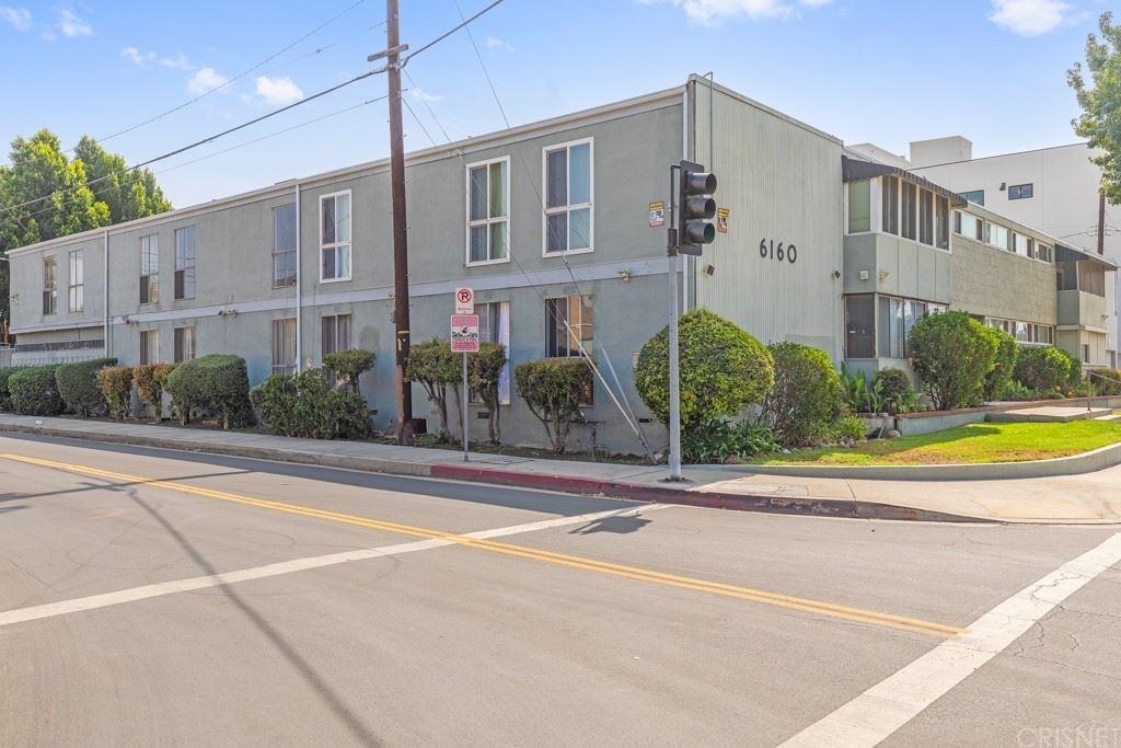 Photo of 6160 Whitsett Avenue #11, North Hollywood, CA 91606 (MLS # SR21223765)