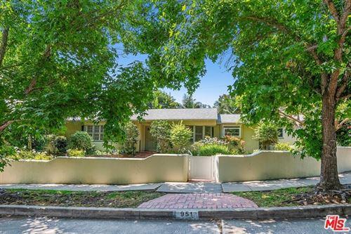 Photo of 951 S Carmelina Avenue, Los Angeles, CA 90049 (MLS # 20609766)