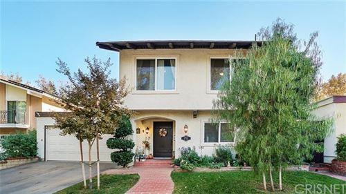 Photo of 23922 Via Danza, Valencia, CA 91355 (MLS # SR20122766)