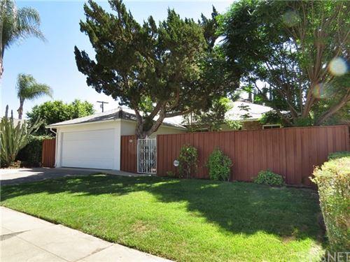 Photo of 8042 Etiwanda Avenue, Reseda, CA 91335 (MLS # SR21095766)
