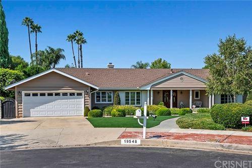 Photo of 19548 Merridy Street, Northridge, CA 91324 (MLS # SR20185767)