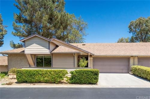 Photo of 20012 Avenue Of The Oaks, Newhall, CA 91321 (MLS # SR21177767)
