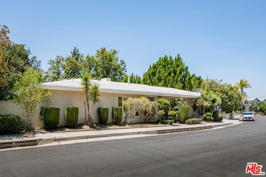 Photo of 11318 Dona Pegita Drive, Studio City, CA 91604 (MLS # 21750768)