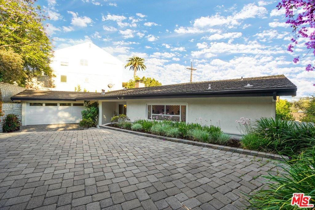 Photo of 910 Hillcroft Road, Glendale, CA 91207 (MLS # 21754768)