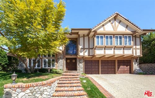 Photo of 6146 COUNTY OAK Road, Woodland Hills, CA 91367 (MLS # 19446770)