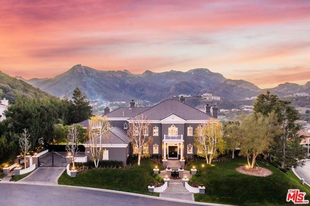 Photo of 2750 Queens Garden Court, Thousand Oaks, CA 91361 (MLS # 21691770)