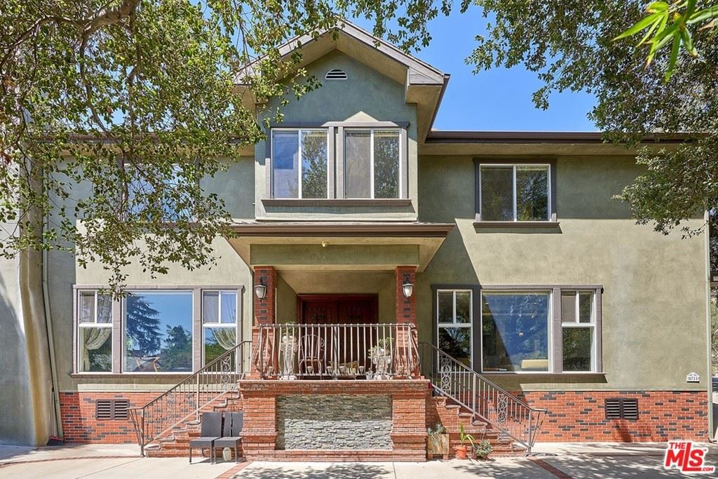 Photo of 5711 Canyonside Road, La Crescenta, CA 91214 (MLS # 21770770)