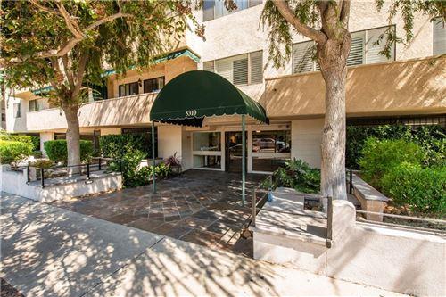 Photo of 5310 Zelzah Avenue #210, Encino, CA 91316 (MLS # SR21205771)