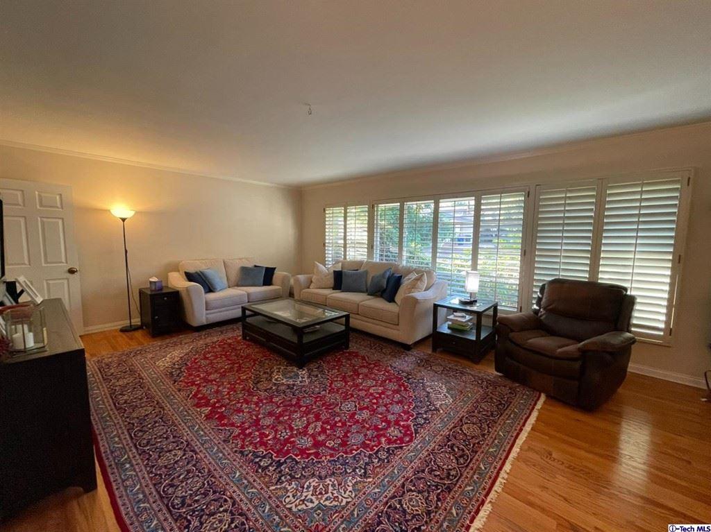 Photo of 2118 Tondolea Lane, La Canada Flintridge, CA 91011 (MLS # 320006771)