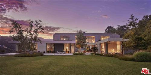 Photo of 2188 Mandeville Canyon Road, Los Angeles, CA 90049 (MLS # 21761772)