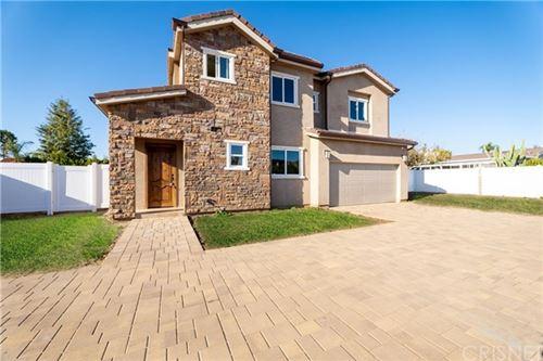Photo of 16939 Christoff Lane, Northridge, CA 91325 (MLS # SR21069772)