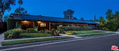 Photo of 23341 Los Encinos Way, Woodland Hills, CA 91367 (MLS # 21796774)