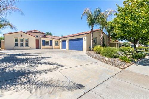 Photo of 977 Vista Cerro Drive, Paso Robles, CA 93446 (MLS # NS20150774)