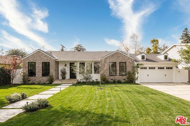 Photo of 4911 Radford Avenue, Valley Village, CA 91607 (MLS # 21693774)
