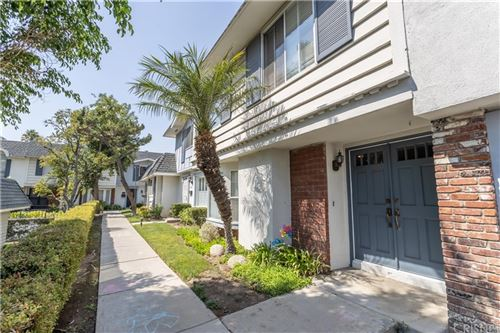 Photo of 20714 Devonshire Street #C, Chatsworth, CA 91311 (MLS # SR21208775)