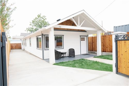 Photo of 508 Archwood Place, Altadena, CA 91001 (MLS # CV21198776)