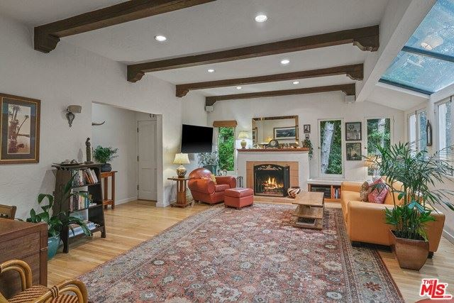 Photo of 9850 Easton Drive, Beverly Hills, CA 90210 (MLS # 20630776)