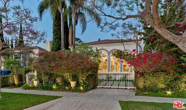 Photo of 106 N Oakhurst Drive, Beverly Hills, CA 90210 (MLS # 21752776)