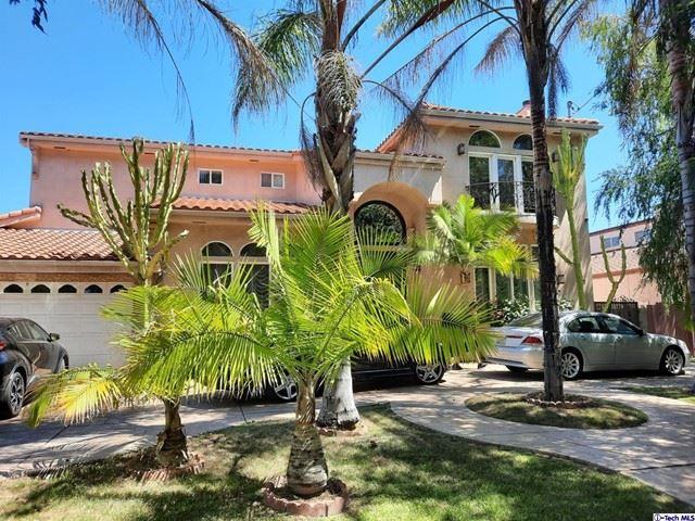 Photo of 12319 Tiara Street, Valley Village, CA 91607 (MLS # 320006776)