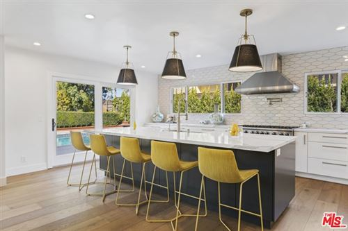 Photo of 1623 Tower Grove Drive, Beverly Hills, CA 90210 (MLS # 21696778)