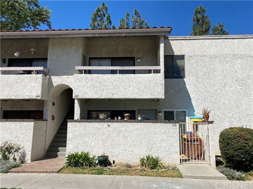 Photo of 25015 Peachland Avenue #143, Newhall, CA 91321 (MLS # SR21091778)