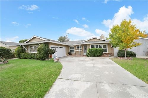 Photo of 6539 Farralone Avenue, Woodland Hills, CA 91303 (MLS # CV20223779)