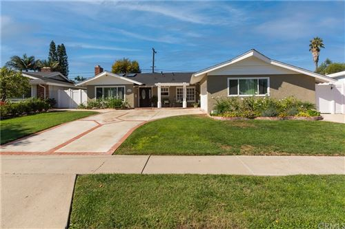 Photo of 3075 Madeira Avenue, Costa Mesa, CA 92626 (MLS # OC21206779)