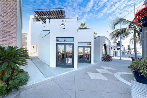 Photo of 603 E Balboa Boulevard, Newport Beach, CA 92661 (MLS # OC21036781)