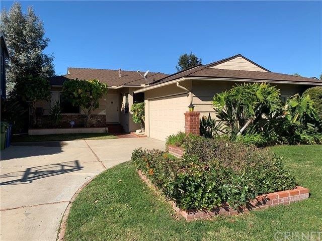 Photo of 5315 Goodland Avenue, Valley Village, CA 91607 (MLS # SR21015781)