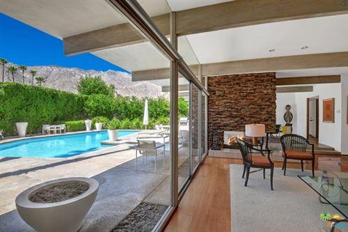 Photo of 255 N Via Las Palmas, Palm Springs, CA 92262 (MLS # 20599782)