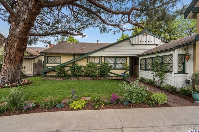 Photo of 12435 Debby Street, Valley Glen, CA 91606 (MLS # 320005782)