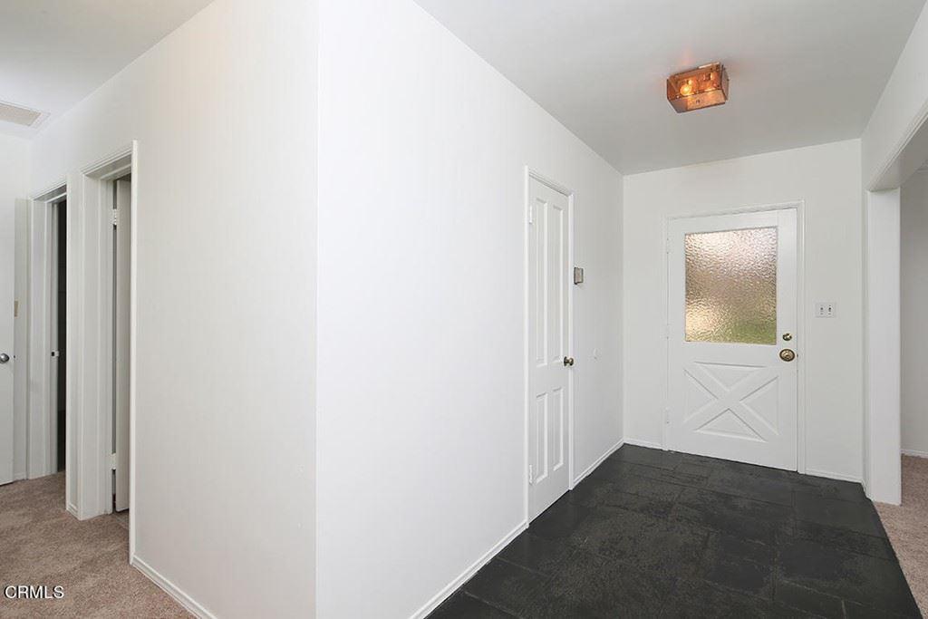 Photo of 4628 Vineta Avenue, La Canada Flintridge, CA 91011 (MLS # P1-5782)