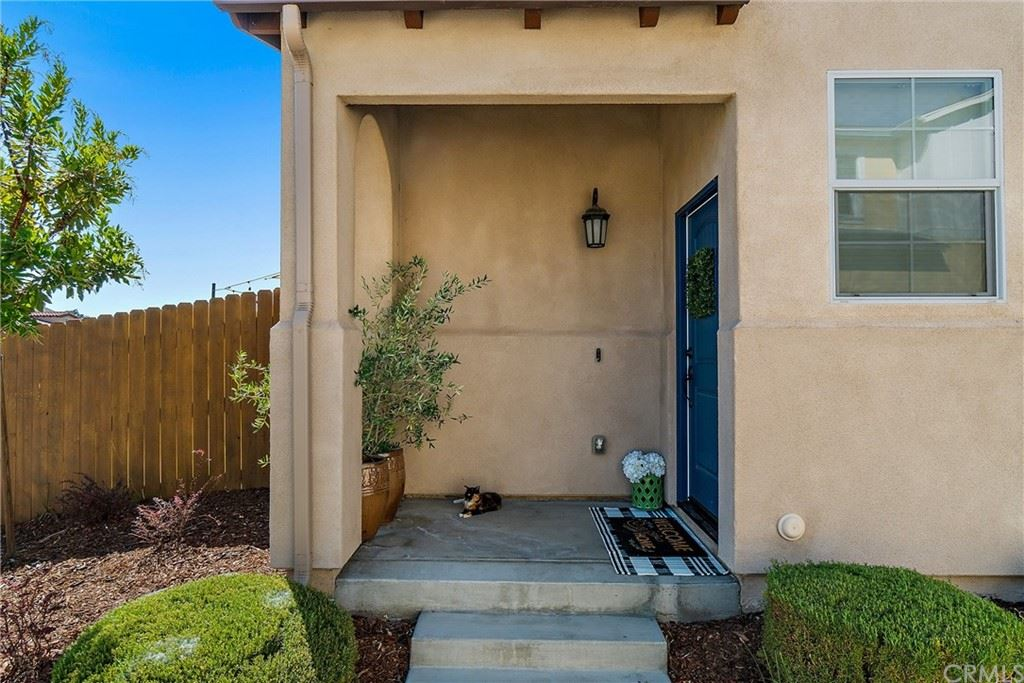 Photo of 160 Reflection Place, Templeton, CA 93465 (MLS # SC21197782)