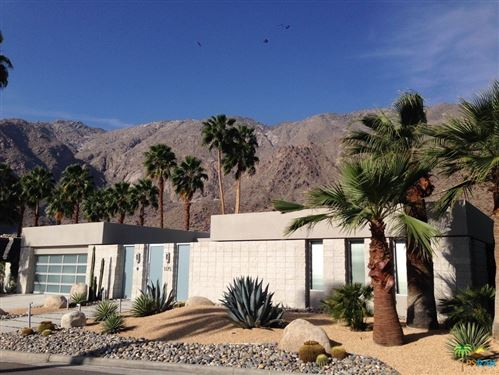 Photo of 1175 Los Robles Drive, Palm Springs, CA 92262 (MLS # 21712784)